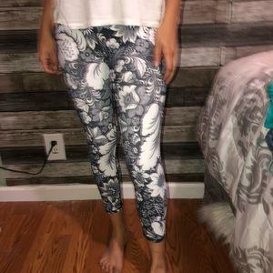 3/4ths length floral leggings